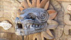 Quetzalcóatl: De serpiente emplumada a dios creador
