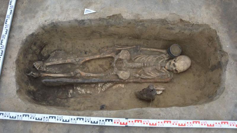 Restos de una mujer encontrados en la excavación en territorio de Altai