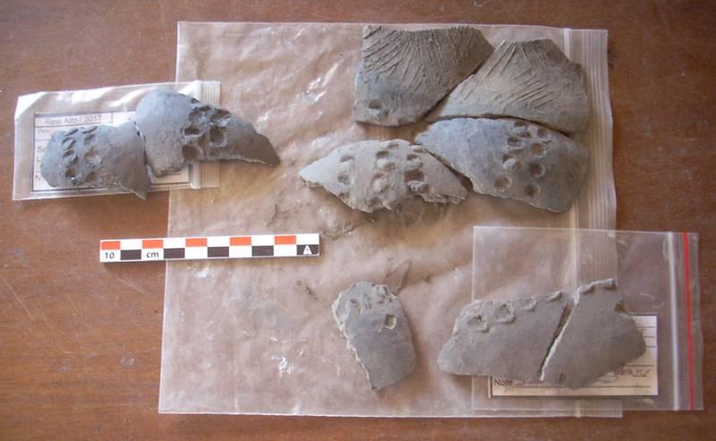 Cerámica encontrada en el antiguo asentamiento de Real Alto