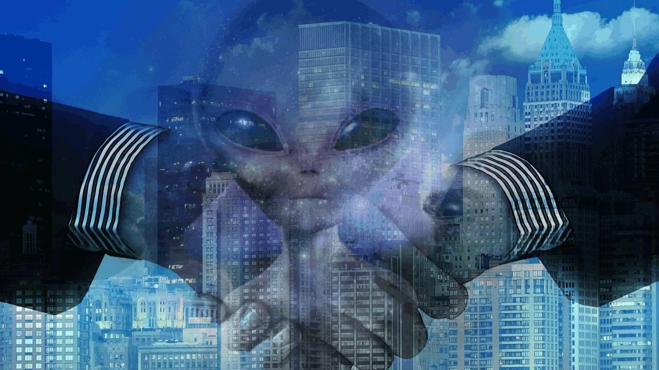 ¿Colaboran en secreto los gobiernos con extraterrestres?