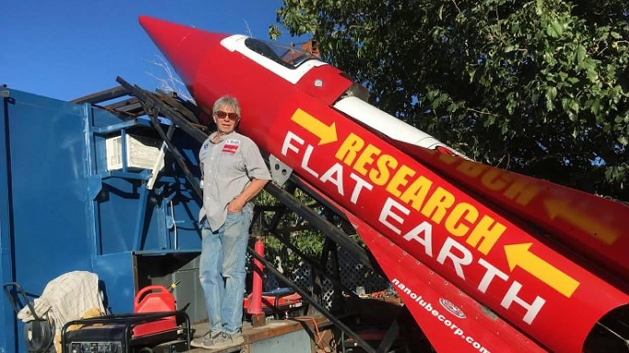 Hombre se lanzará en cohete casero para demostrar que la «Tierra es plana»