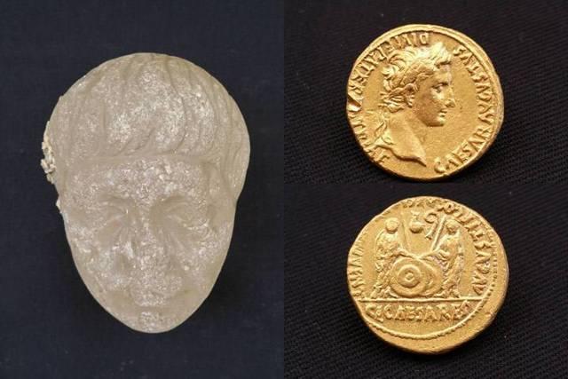 Cabeza de cristal y monedas de oro halladas en los naufragios