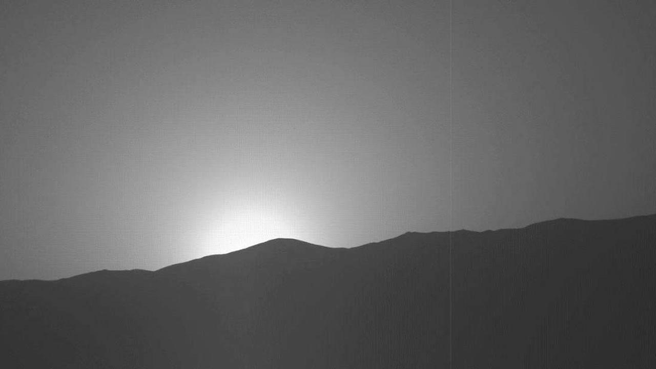 El sol cae en Marte, con colores que no te imaginas