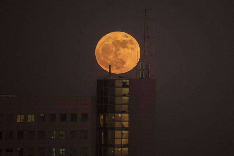 Superluna vista desde Netanya, Israel