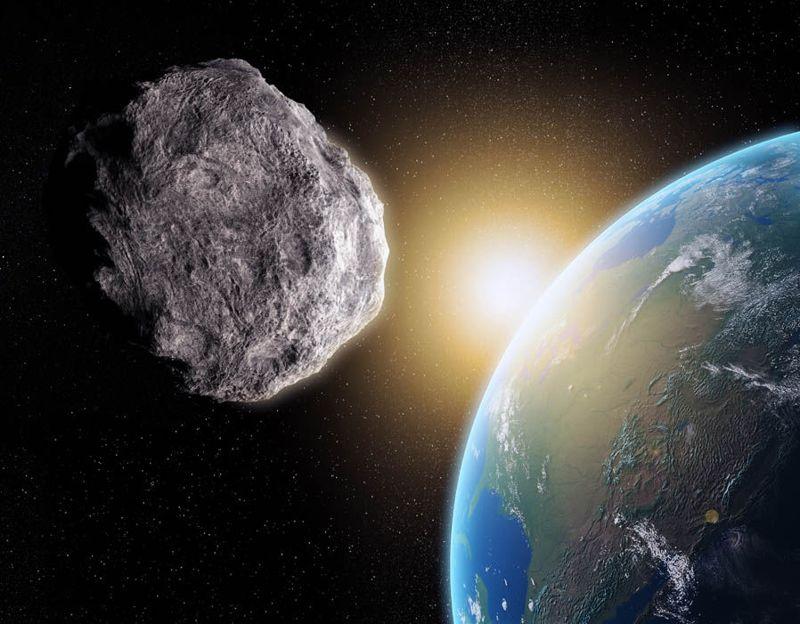 Según denunciantes NASA inicialmente pronosticó que el asteroide 2002 NT7 impactaría a la Tierra a 27 kilómetros por segundo con la fuerza de 30 millones de bombas de Hiroshima, equivalentes a 450 millones de toneladas de TNT