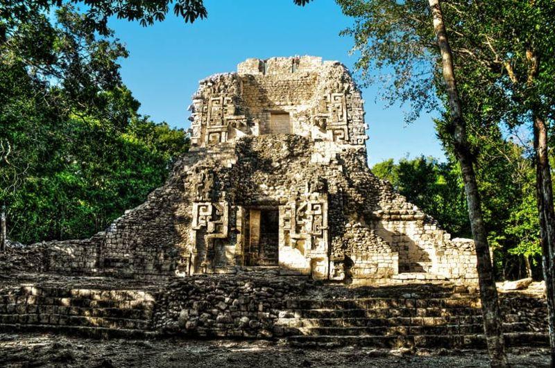 Estructura XX del yacimiento arqueológico de Chicanná
