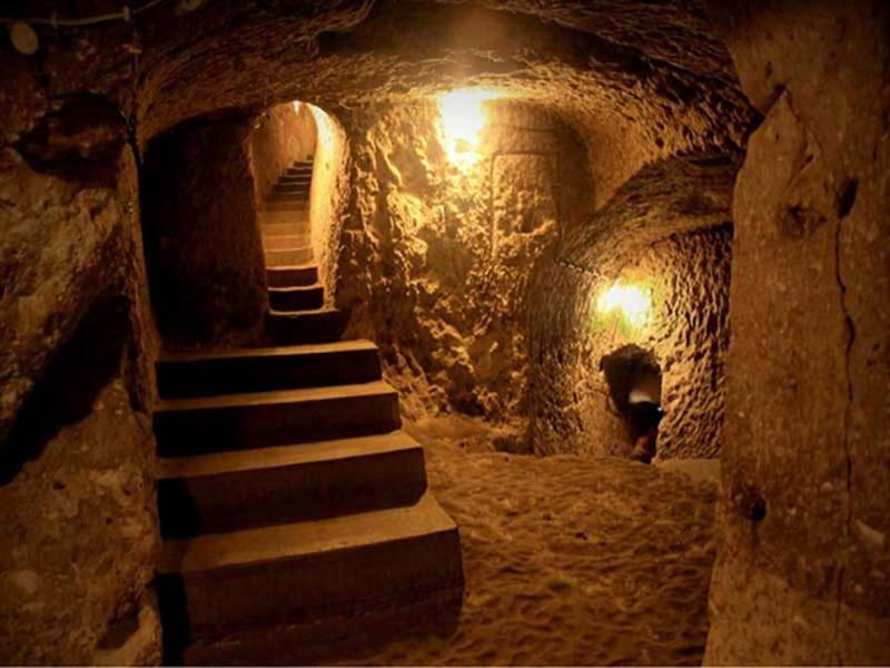 El lugar posee un manantial subterráneo de aguas frescas