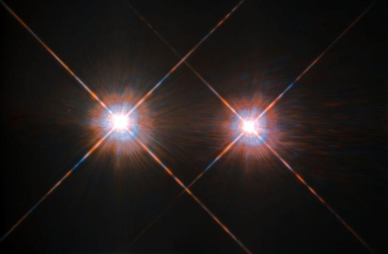 Alpha Centauri A (izquierda) y B (derecha).