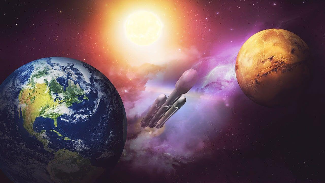 Elon Musk revela fotografías del automóvil que lanzará a Marte
