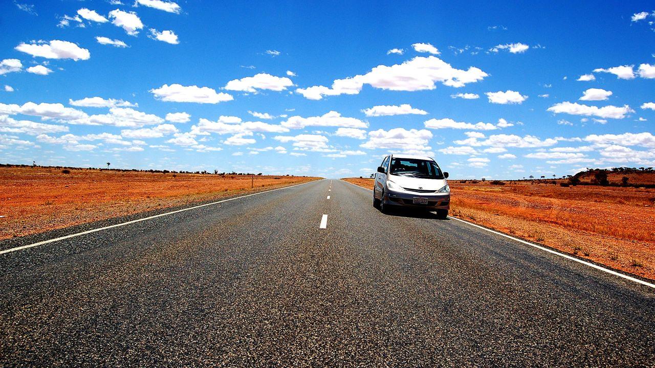 Carreteras se derriten en Australia ante ola de calor extrema