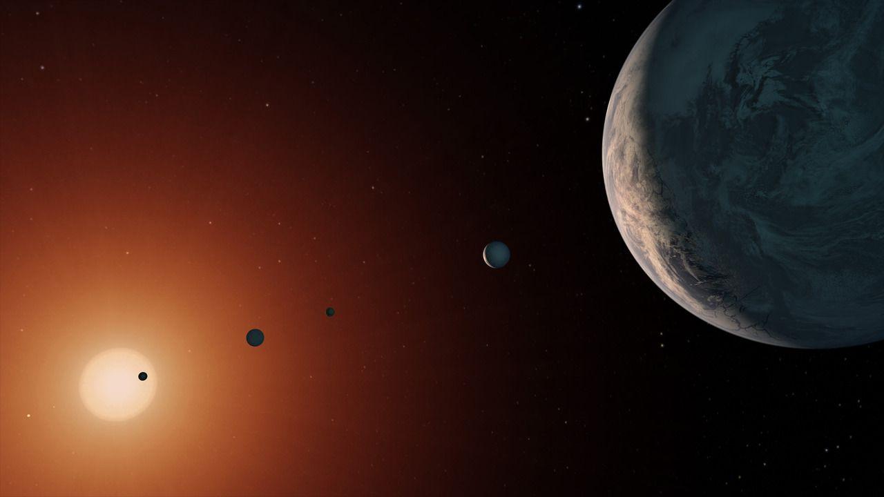Dos planetas de TRAPPIST-1 pueden tener grandes océanos y vida, según estudio