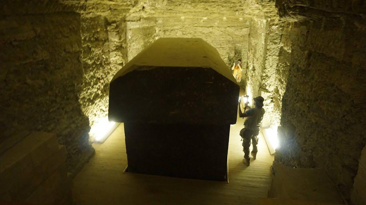 El misterio de las cajas «extraterrestres» de 100 toneladas descubiertas en Egipto