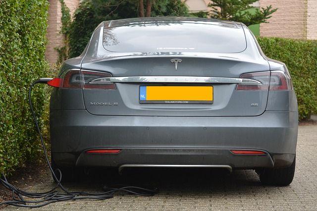 Tesla busca expandir sus horizontes y abrir una planta en Chile, país productor de Litio, necesario para las baterías de sus autos eléctricos