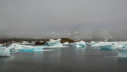 Fondo del océano se hunde bajo el peso del agua de deshielo y los glaciares derretidos