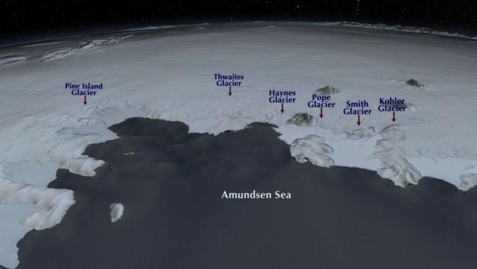 Los glaciares Pine Island como Thwaites se enfrentan al mar de Amundsen en la Antártida Occidental