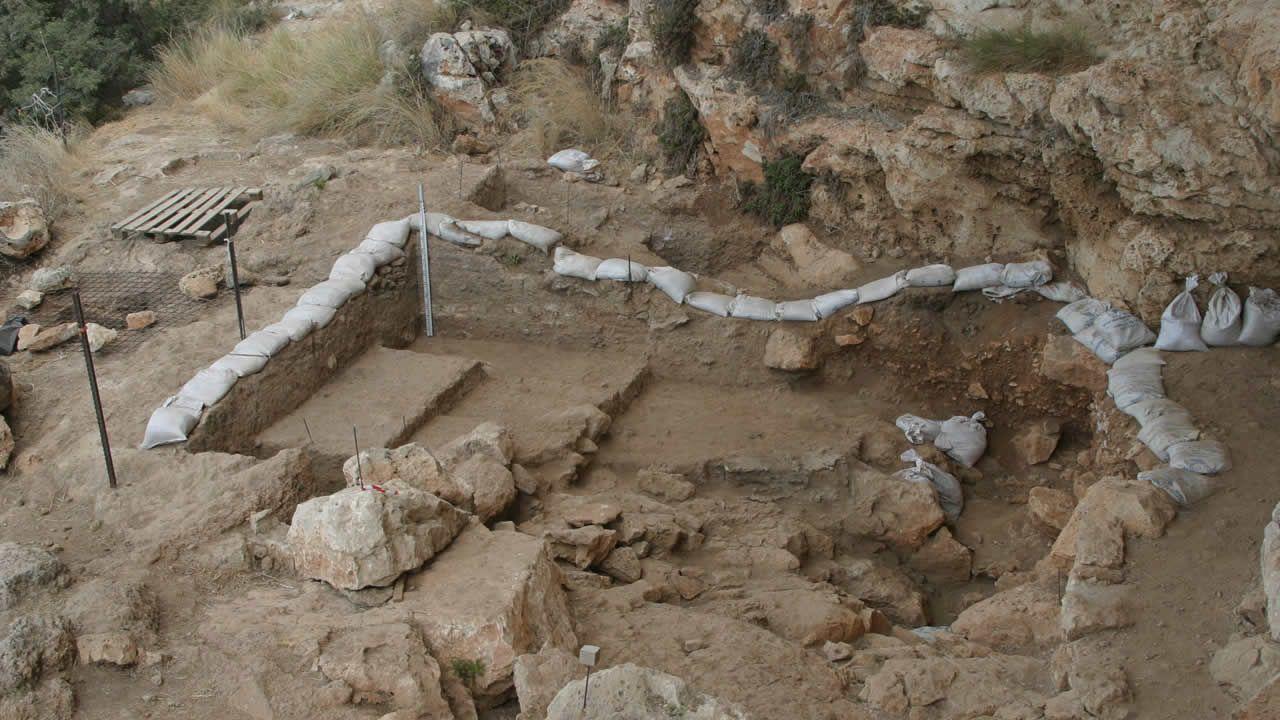 Hallan el fósil humano más antiguo fuera de África, reescribiendo lo establecido
