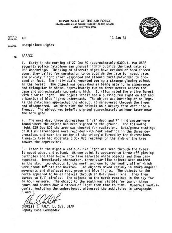 El ex comandante de la base Charles Halt escribió este memo oficial sobre el incidente de 1980