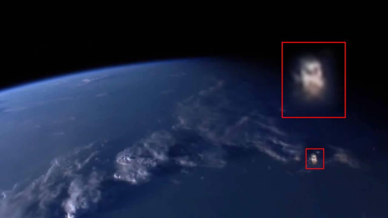 NASA corta transmisión ante aparición de OVNI gigantesco en el espacio