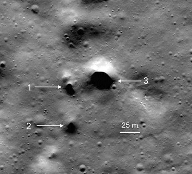 Posible tubo de lava ubicado en el cráter Philolaus, en el polo norte de la Luna