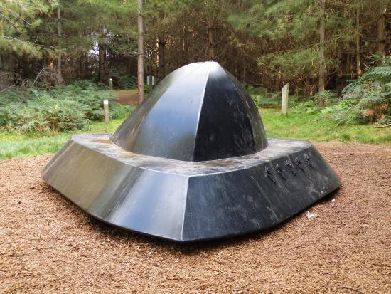 Réplica del OVNI visto en Rendlesham Forest