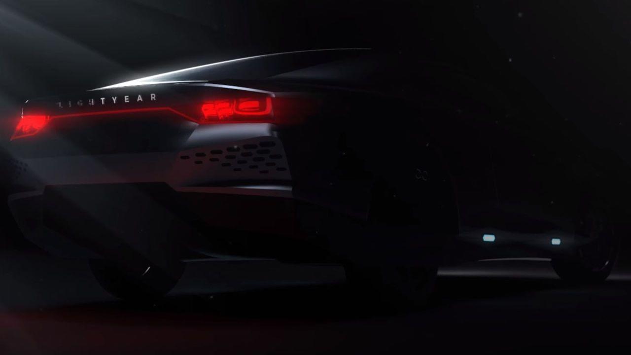 Un automóvil alimentado totalmente con energía solar podría ser una realidad en 2019