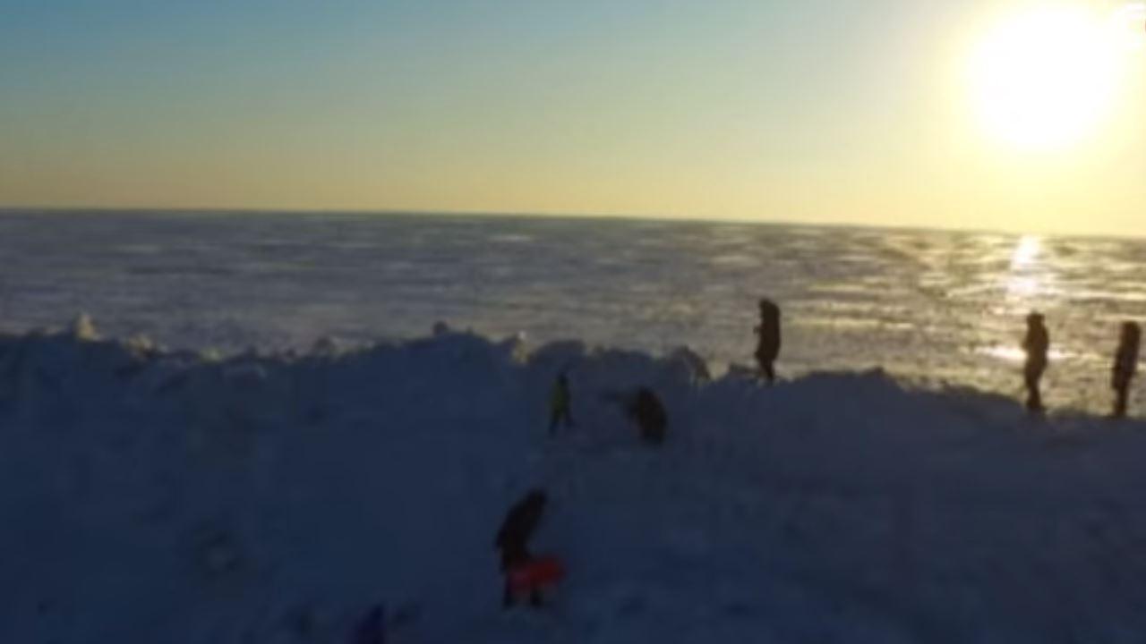 Una enorme muro de hielo, como en «Juego de Tronos», se forma entre fronteras de China y Rusia (Vídeo)