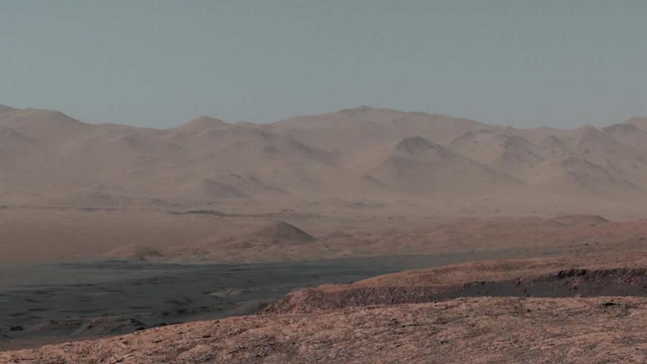 Curiosity muestra foto panorámica de Marte con un «gran cielo azul»