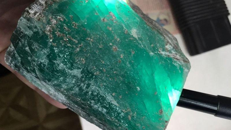 La gran gema hallada en los Urales, Rusia