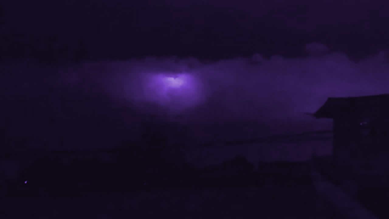 Espectadores quedan aterrorizados cuando el cielo se volvió púrpura en Filipinas