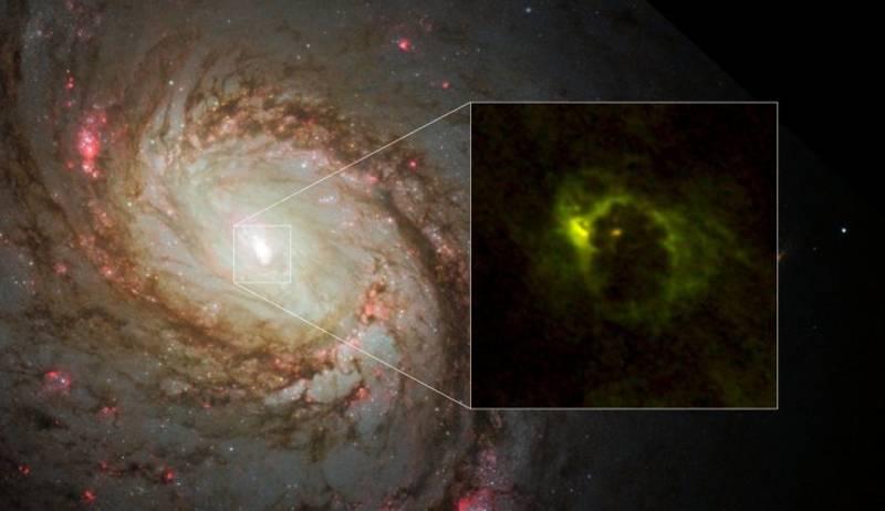 La región central de la galaxia espiral M77