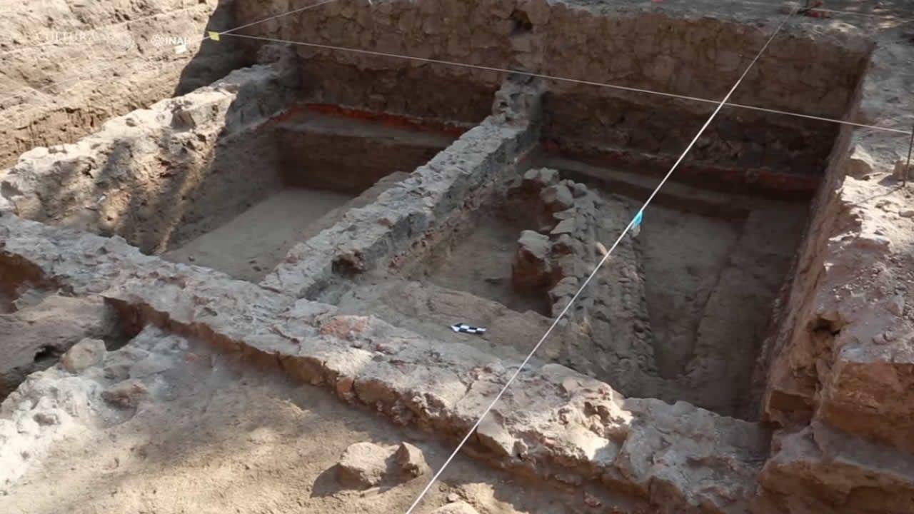 Hallan misterioso círculo de esqueletos con brazos entrelazados en México