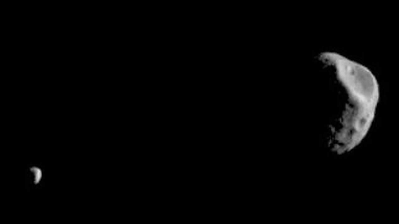 Phobos y Deimos, una frente a otra