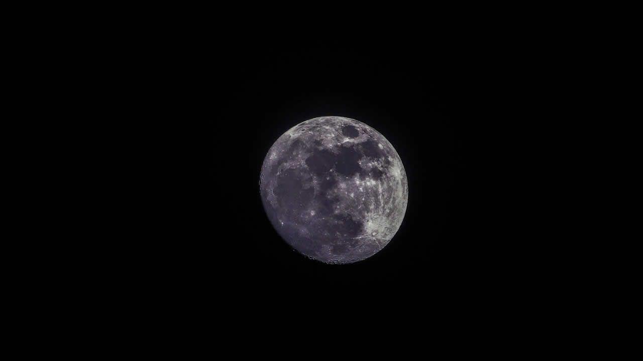 India aterrizará en el polo sur de la Luna y lo recorrerá por 14 días