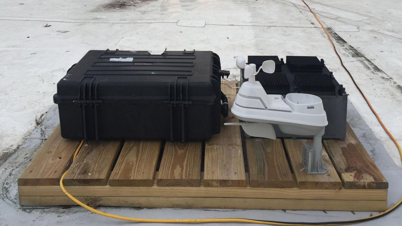 Ingenieros del MIT crean dispositivo que genera electricidad de la nada
