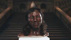 Reconstruyen rostro del hombre más antiguo encontrado en Reino Unido