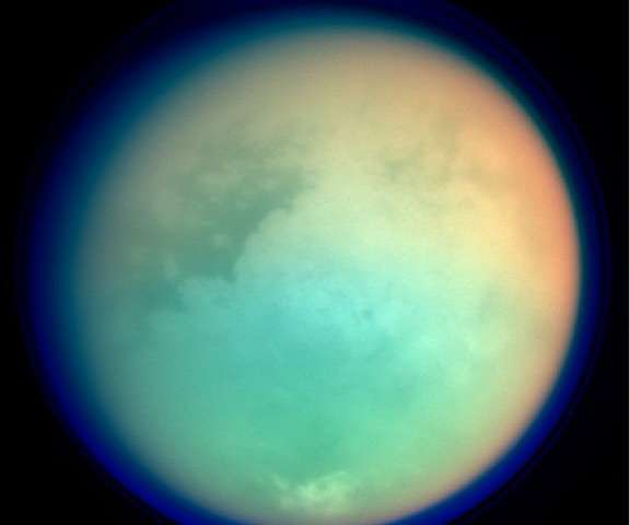 Existe vida en los abundantes hidrocarburos de Titán