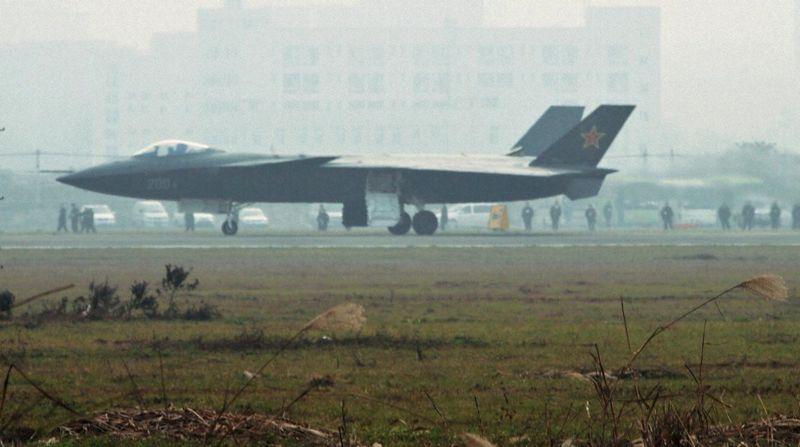 Avión caza furtivo chino en Chengdu, provincia de Sichuan