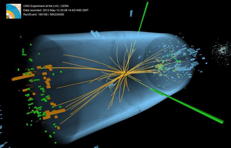 El evento muestra las características esperadas desde la descomposición del bosón de Higgs hasta un par de fotones (líneas discontinuas amarillas y torres verdes)