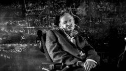 ¿Cómo logró sobrevivir Stephen Hawking a su enfermedad por tanto tiempo?