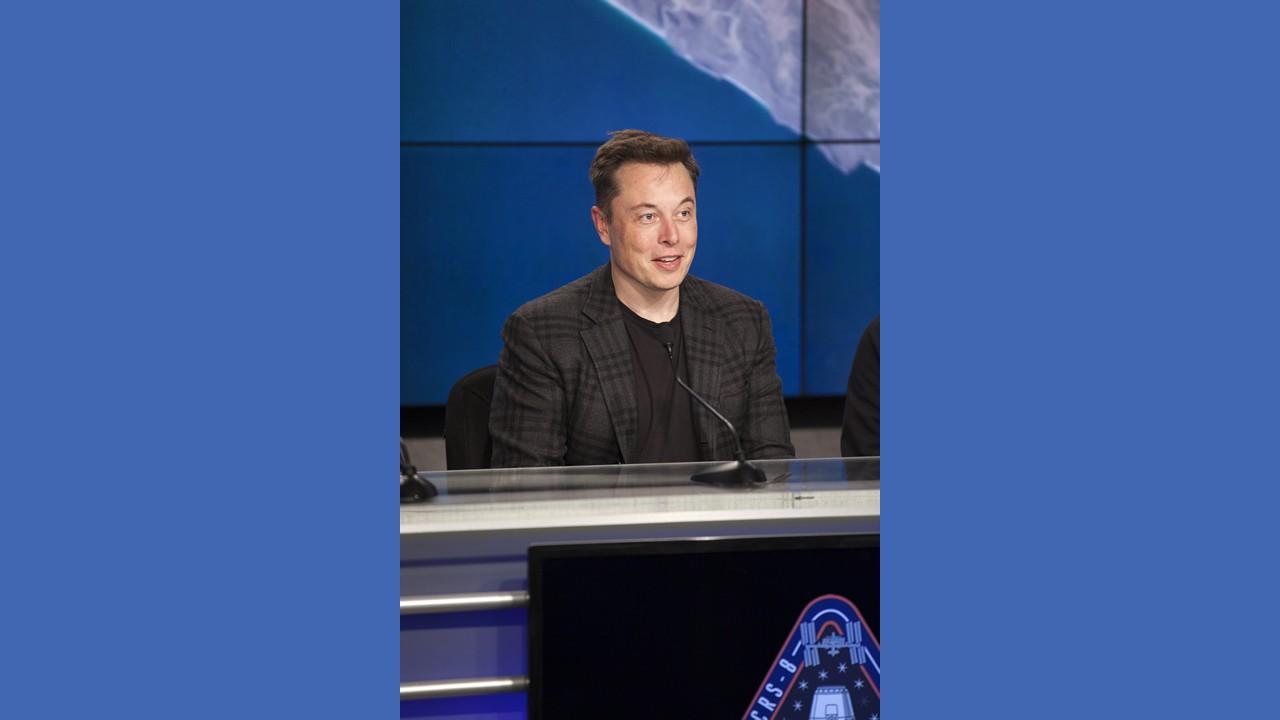 Elon Musk elimina las páginas de Facebook de SpaceX y Tesla