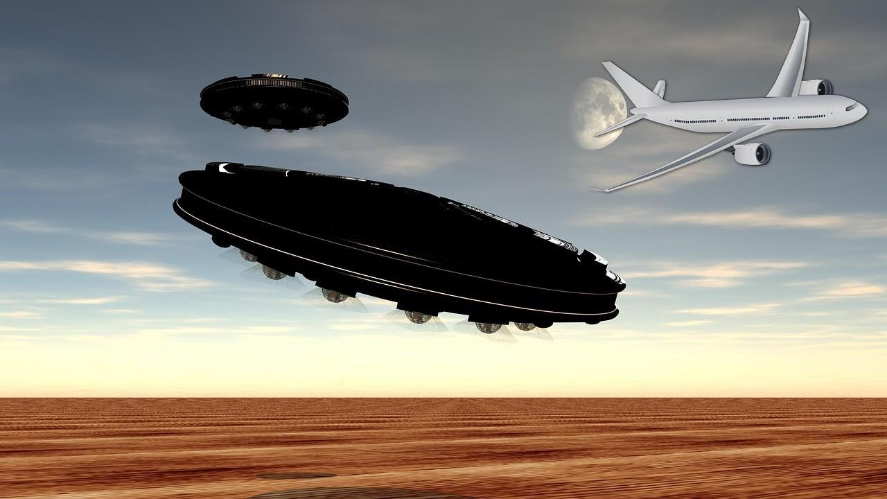 OVNI se acerca a dos aviones de pasajeros en EE.UU. – Audio de pilotos revela el hecho
