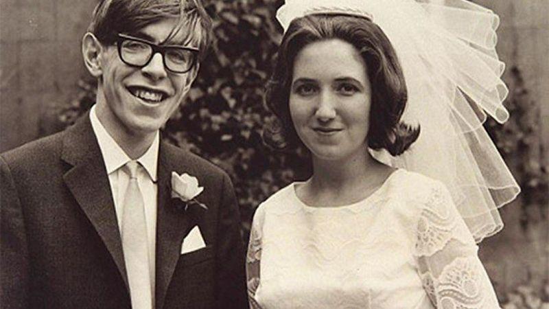 Stephen Hawking durante su boda en 1965. Él fue diagnosticado con la enfermedad de Lou Gehrig en 1963 a los 21 años