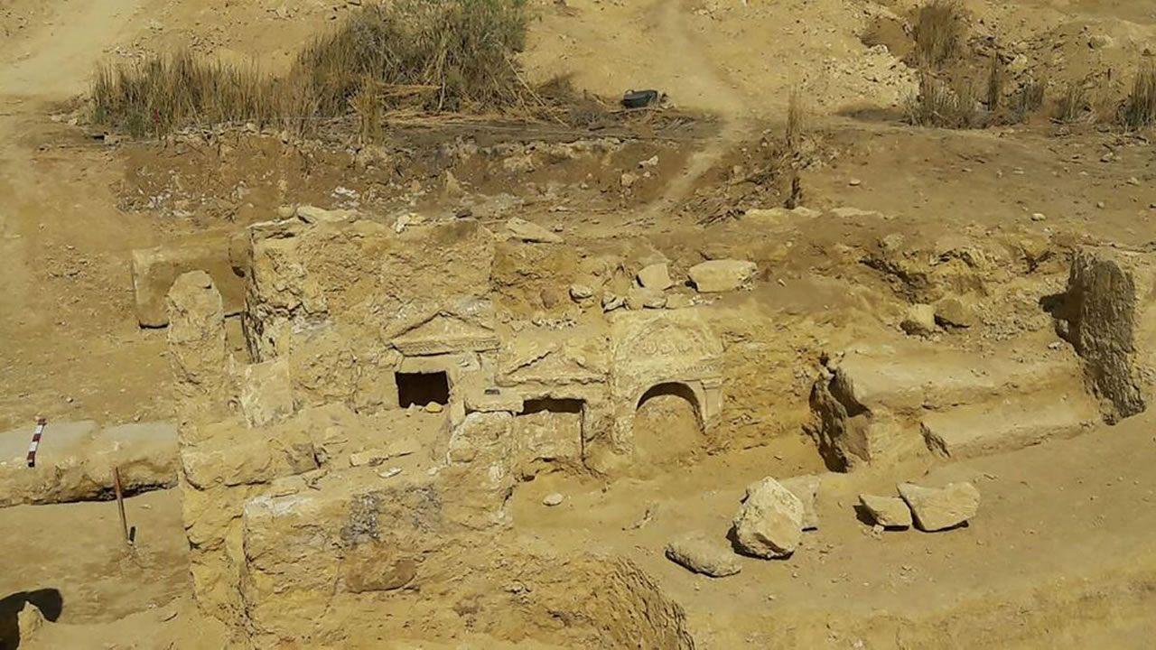 Arqueólogos hallan un raro templo grecorromano en Egipto