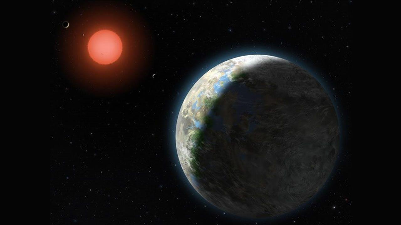 Astrónomos hallan una supertierra que orbita una estrella enana