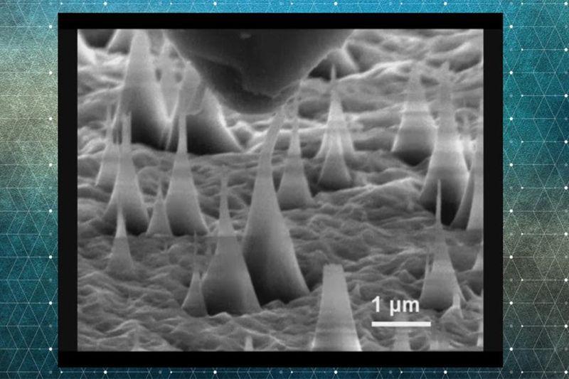 Esta imagen revela que las nano agujas de diamante pueden doblarse tanto como un 9% y aún así volver a su forma original