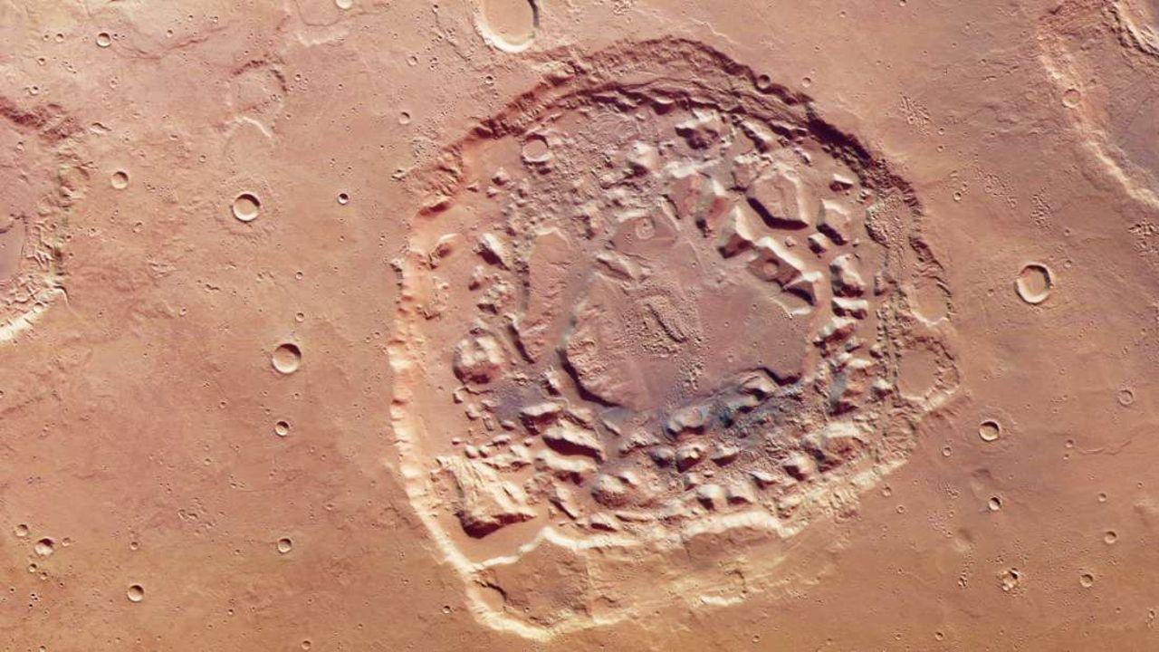 Este colosal cráter en Marte desconcierta totalmente a los científicos