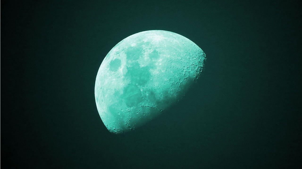 ¿La Luna brillará de color verde esta noche?