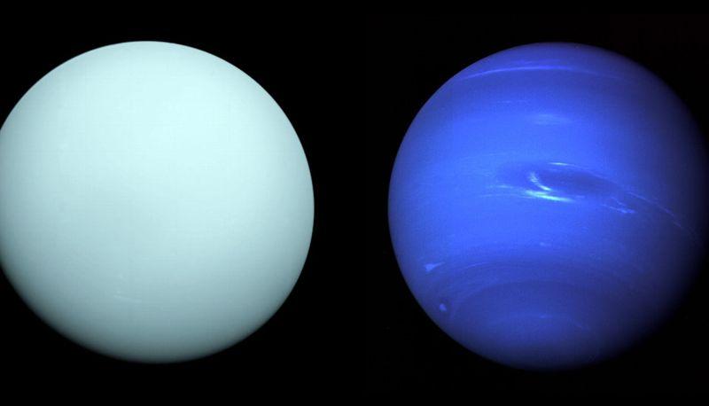 Urano a la izquierda y Neptuno a la derecha