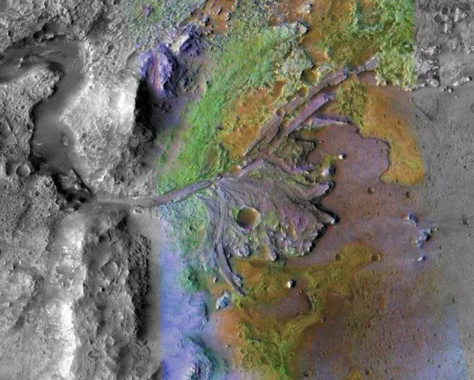 Delta fluvial en el cráter Jezero, donde antiguamente un río surco el Planeta Rojo