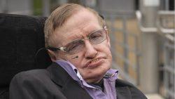 Viajeros en el tiempo podrán asistir al entierro de las cenizas de Stephen Hawking